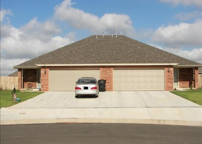 925 SW 37th St, Moore, OK  73160